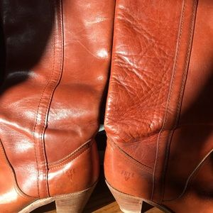 Vintage Authentic Frye brand boots sz.8.5